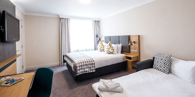 holiday inn farnborough room2